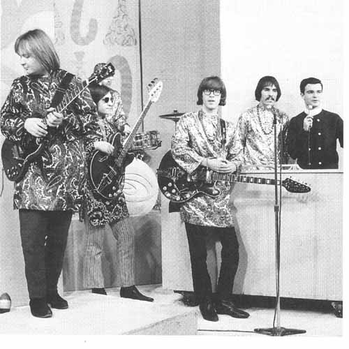 Strawberry Alarm Clock - Tomorrow / Birds In My Tree